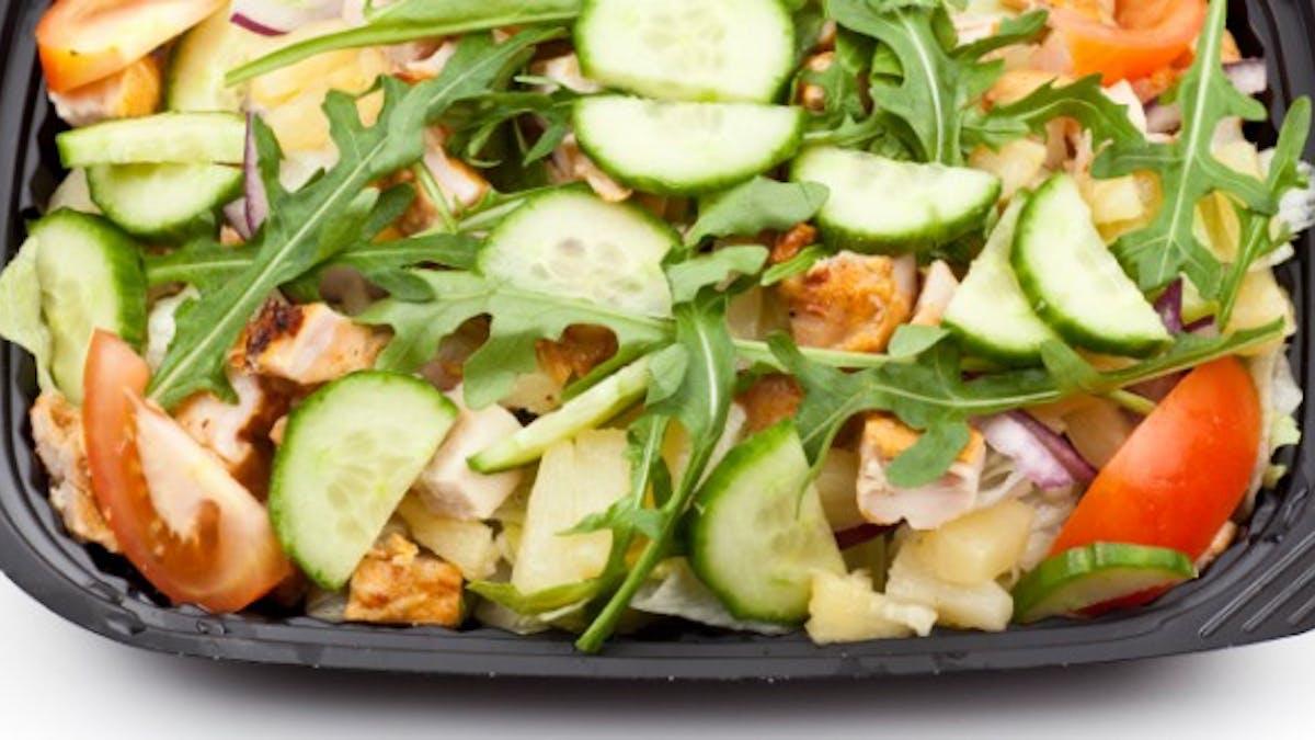 Salades de fast-food: attention aux calories cachées!