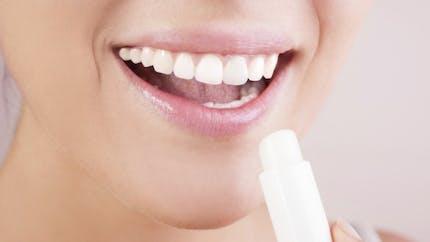 Santé: le baume à lèvres, pas si inoffensif que ça…