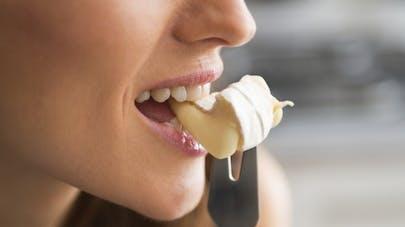 Végétaliens: par quoi peut-on remplacer le fromage?
