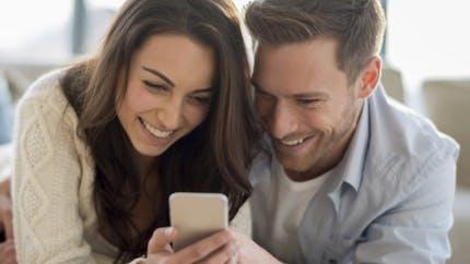 Peut-on tomber amoureux via une conversation écrite?