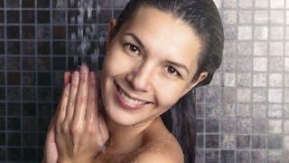Toutes les techniques pour se laver les cheveux sans shampoing
