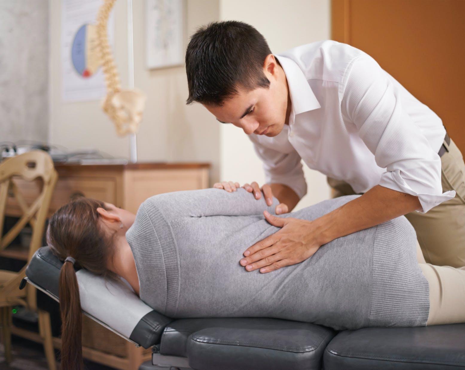 Sciatique : 7 conseils d'un rhumatologue | Santé Magazine
