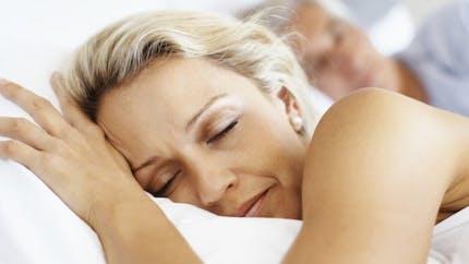 Pourquoi avons-nous l'impression de tomber en s'endormant?