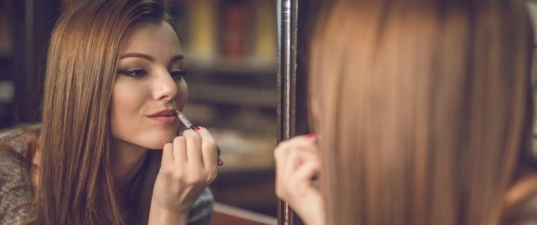 Maquillage comment avoir l air dynamique au bureau santé