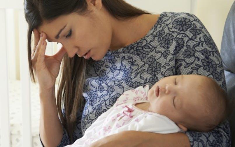Baby blues: quels sont les facteurs déclenchants?