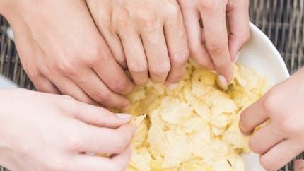 La science nous explique pourquoi le sel nous fait grossir