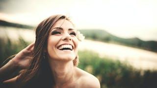 Cheveux gras: comment éviter qu'ils regraissent trop vite