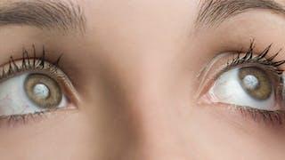 Allergies: soulager les symptômes lorsqu'on porte des lentilles