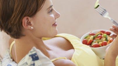 Perturbateurs endocriniens: des médecins alertent sur leurs dangers pendant la grossesse