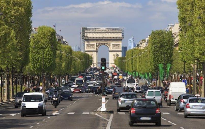 Voitures polluantes: interdites à Paris à partir du 1er juillet 2016
