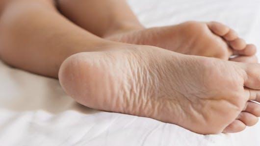 Santé des pieds: prévenir et traiter une fasciite plantaire