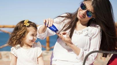 Crème solaire pour enfants: comment choisir le bon produit?