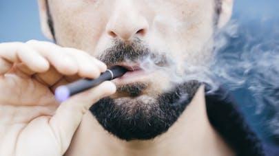 Cigarette électronique: des associations veulent autoriser la publicité