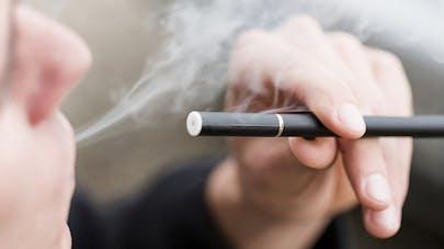 La cigarette électronique: porte d'entrée au tabac pour les plus jeunes?