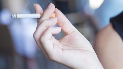 À tabagisme égal, les femmes ont plus de risque d'AVC que les hommes