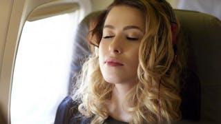 Beauté: 4 conseils à suivre pendant un voyage en avion