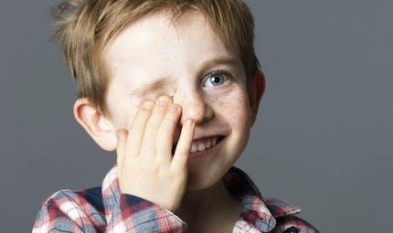 Vision de l'enfant: 2 tests à faire à la maison pour savoir s'il voit bien