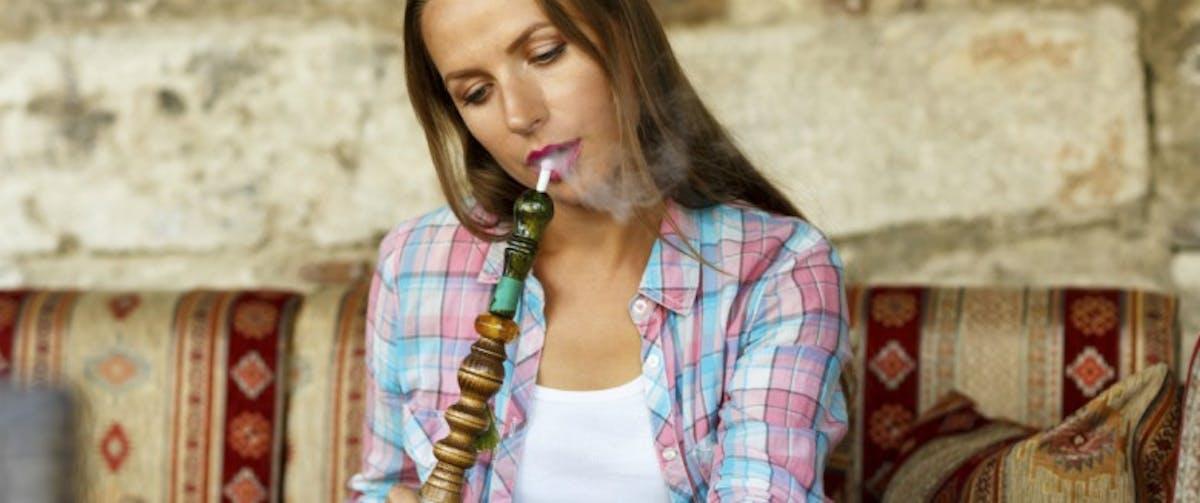 Chicha ou cigarette : quel est le plus dangereux ? | Santé
