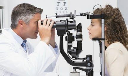 Une chirurgie inédite de l'oeil réalisée par un robot fait ses preuves