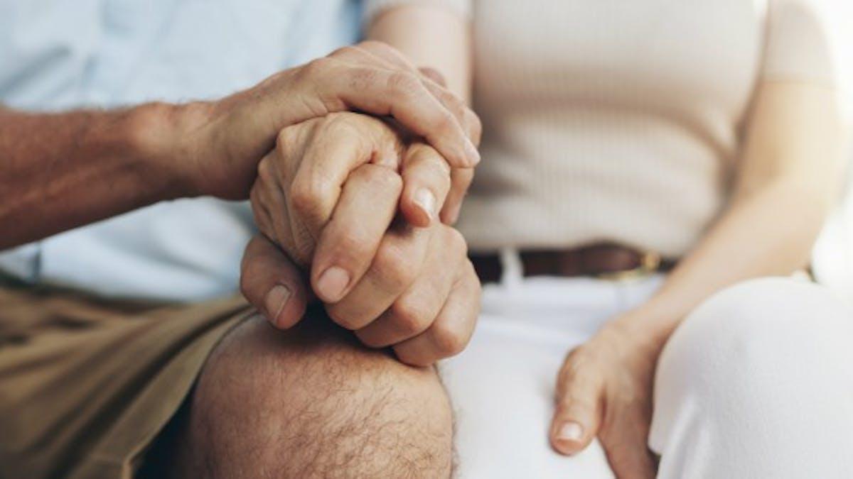 Journée mondiale d'Alzheimer: un  double emploi pour les aidants en activité professionnelle