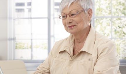 Travailler après 60 ans diminue le risque d'Alzheimer