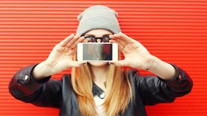 Pour être heureux, arrêtez les selfies