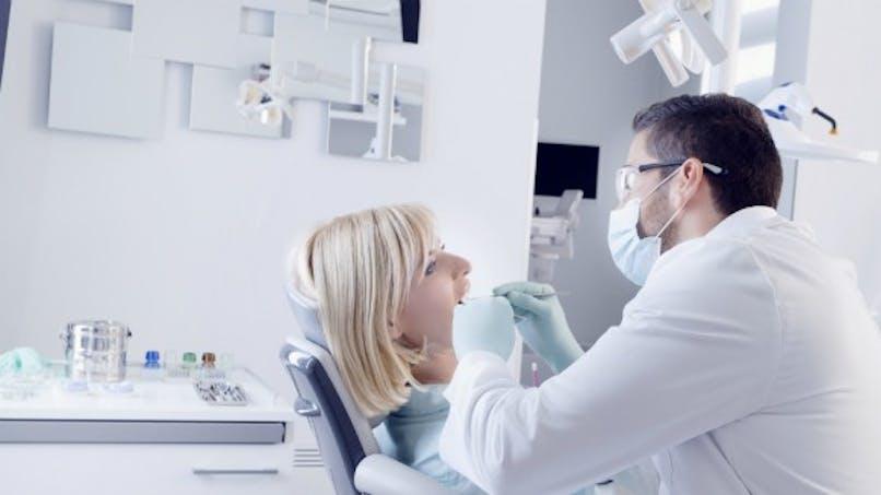 Contre la pneumonie, l'importance d'une bouche saine
