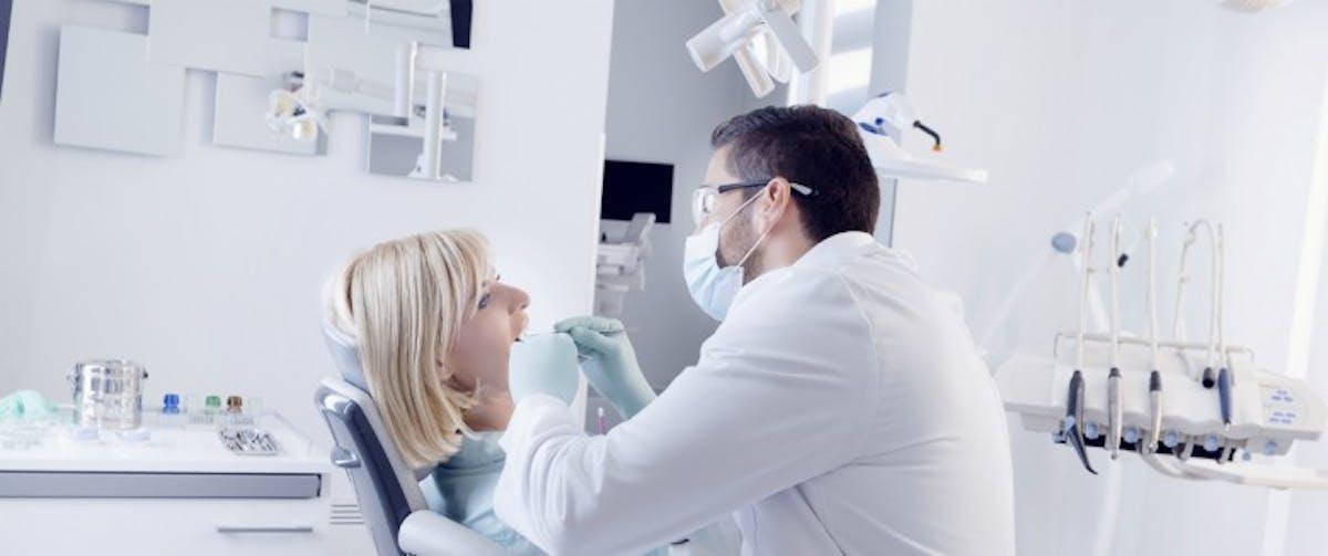 Dentiste datant d'un patient