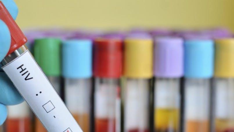Sida: l'acteur Charlie Sheen se sent mieux grâce à un essai clinique