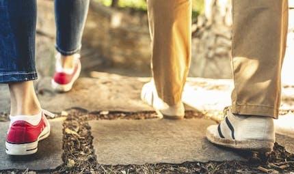 Diabète: marcher 10 mn après chaque repas plus efficace que 30 mn par jour