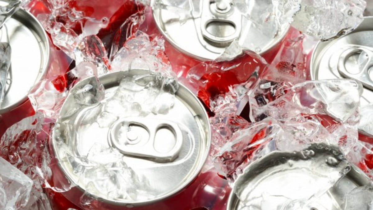 Les ados britanniques boivent 234 cannettes de boissons sucrées par an!