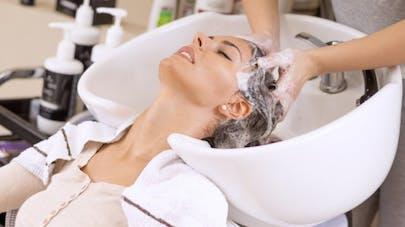 Syndrome du salon de coiffure quand le shampoing provoque un avc sant magazine - Shampoing salon de coiffure ...
