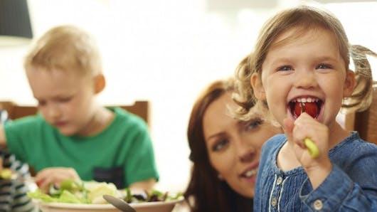 Repas de bébé: comment limiter les pesticides et les nitrates