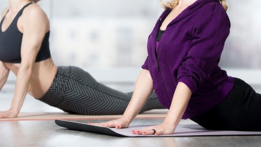Le yoga peut-il soulager le mal de dos chronique?