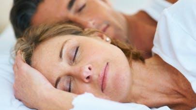 Couple et sommeil: les solutions aux problèmes les plus courants