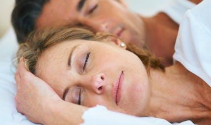 Couple et sommeil : les solutions aux problèmes les plus courants
