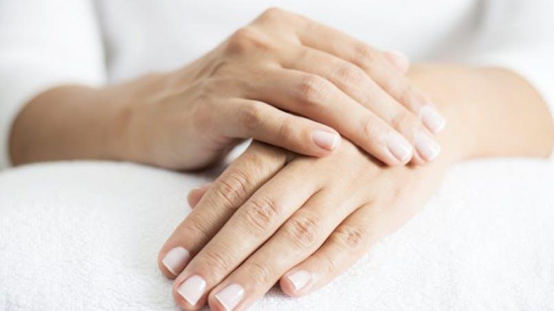 3 astuces naturelles pour rajeunir ses mains
