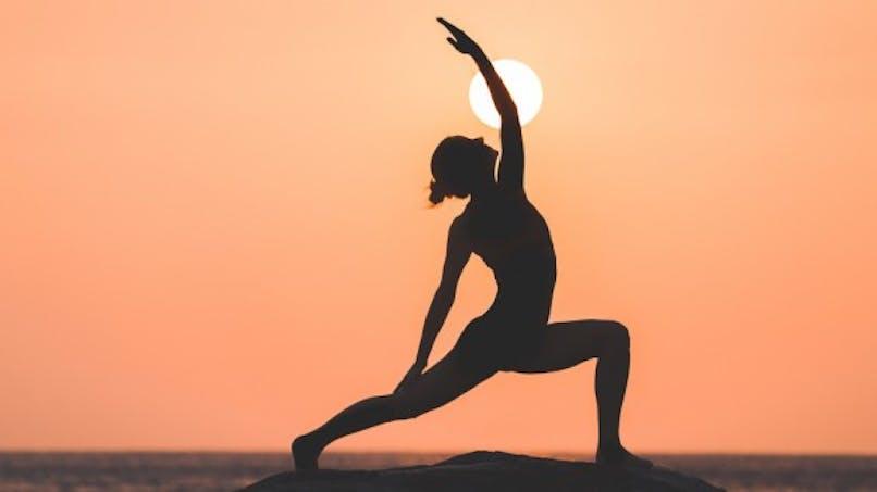 La plus vieille prof de yoga a 98 ans!