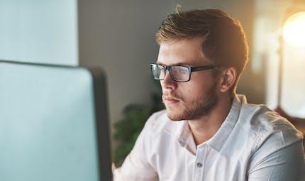 Les lunettes anti-lumière bleue protègent-elles vraiment les yeux?