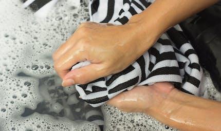 Laver son linge à l'eau de pluie, une bonne idée?
