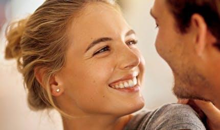 Couple: comment savoir si l'un ou l'autre réfrène ses émotions?