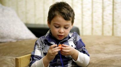 Autisme: une prise de sang et un algorithme pour un diagnostic précoce?