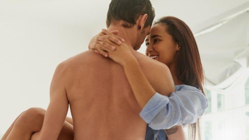 Qu'est-ce qui excite sexuellement un homme? une femme?