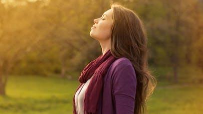 Pourquoi respirer profondément aide à se calmer?