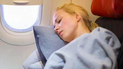 Beauté: comment avoir bonne mine après un voyage en avion