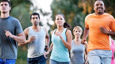 Mal de dos: marcher et courir renforce les disques intervertébraux