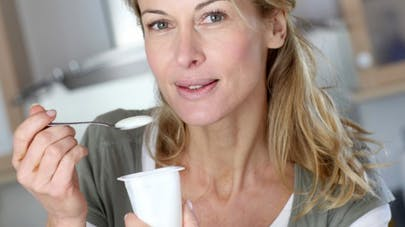 Produits laitiers: ils limitent le risque de ménopause précoce