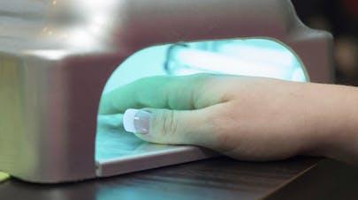 De nouvelles mises en garde contre la pose d'ongles artificiels