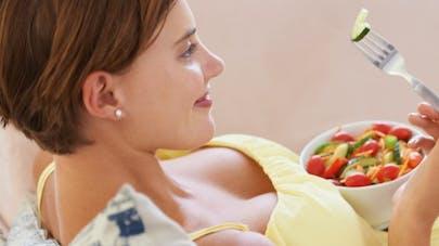 Alimentation et grossesse: l'occasion de manger plus équilibré?