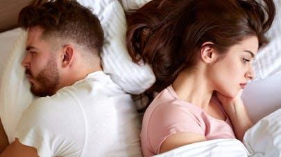 Comment le manque de sommeil et les problèmes de couple influencent la santé